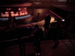 Mass Effect 2 : Auf Omega steht ein Eisbrandy für Dr. Chawkas auf dem Tresen.