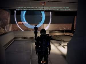 Mass Effect 2 : Lanteia steht im kleinen Separee in der Eternity-Bar.