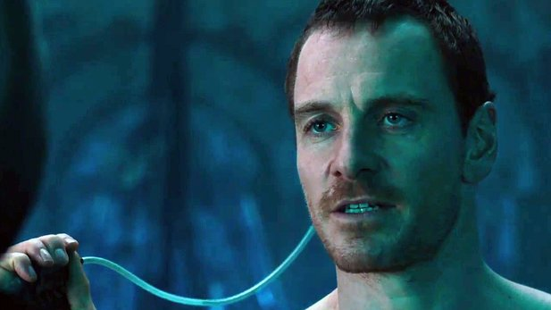 Assassin's Creed - Film-Trailer: Michael Fassbender macht den Todessprung