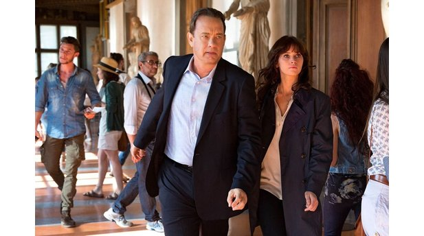 Inferno mit Tom Hanks als Robert Langdon und Felicity Jones als Dr. Sienna Brooks.