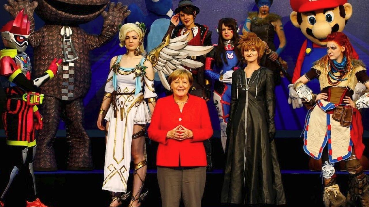 gamescom 2017 - Angela Merkel spielt Minecraft & beschwert sich über die Grafik - GamePro