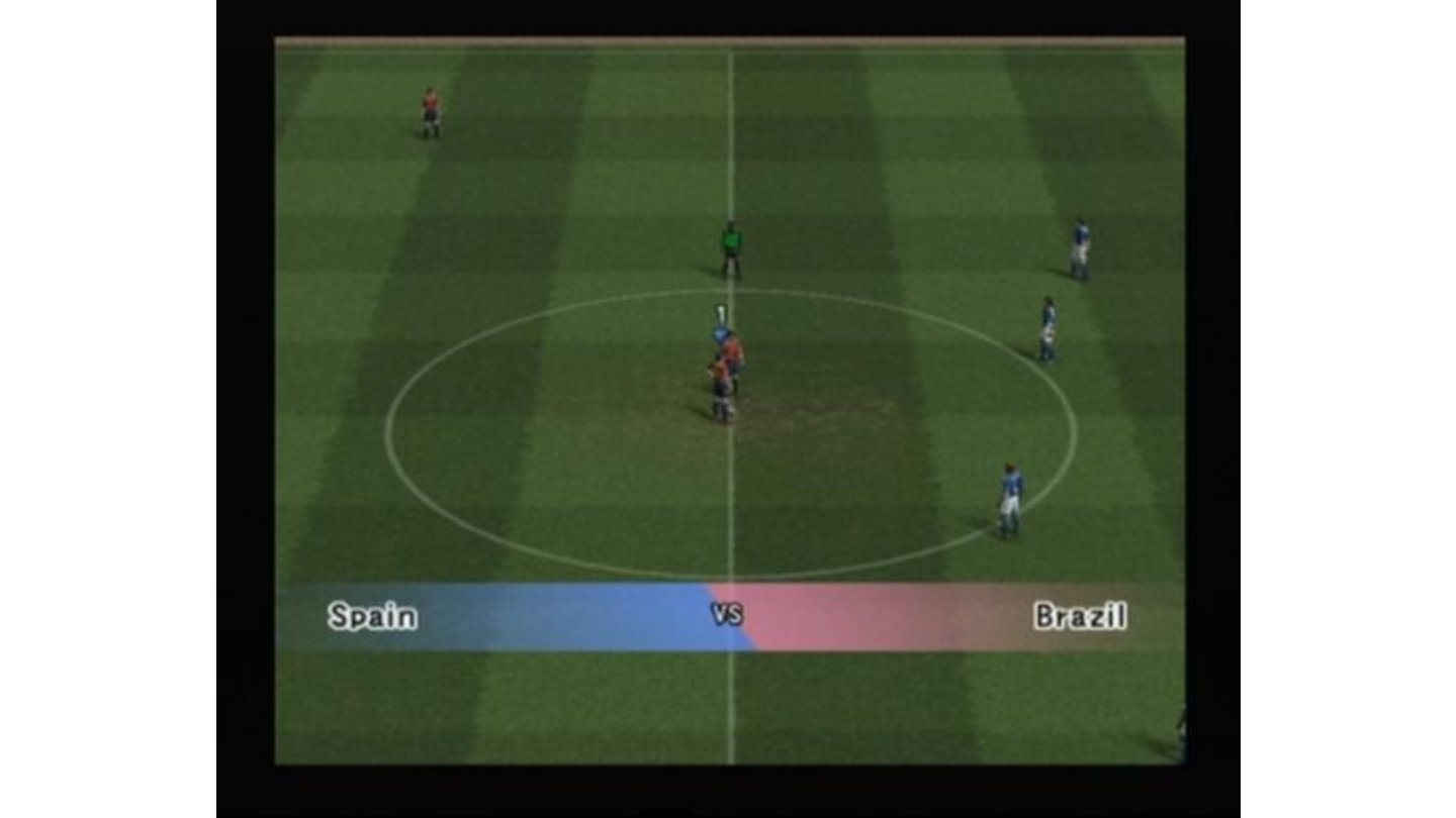 Spain versus Brazil, starting the match (note the referee which wasn't present in PES3)